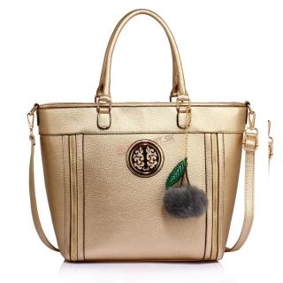 06907c55be Zlatá kabelka na rameno s príveskom