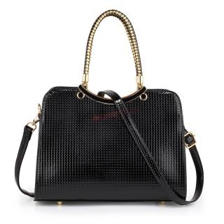 729fd5747dc9 Čierna lakovaná kabelka na rameno
